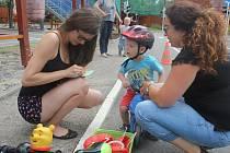 Desítky rodin vzaly ve čtvrtek útokem dopravní hřiště. Čekaly je hry, soutěže a samozřejmě vzdělávání v dopravě.
