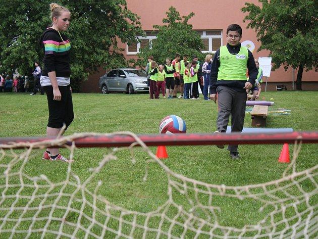 Olympijské sportování na základní škole ve Ptení