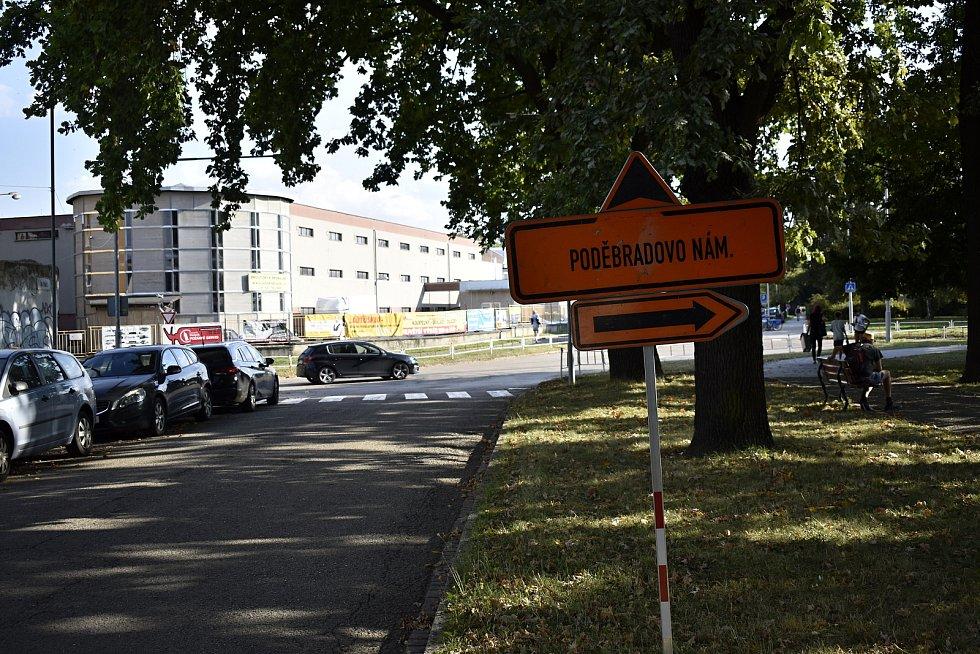 Dopravní trable v jihozápadní části Prostějova nekončí. Aktuálně jsou neprůjezdné ulice Žeranovská a Šmeralova. Žeranovská bude uzavřena do 26. září. 15.9. 2021