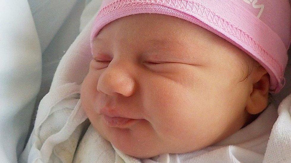 Barbora Valkovičová, Klenovice na Hané, narozena 23. dubna 2021 v Prostějově, míra 47 cm, váha 3050 g