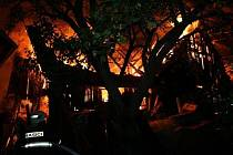 Požár rodinného domu a dvou chat v Lipové-Seči