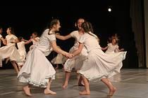 V prostějovském divadle předvedli mladí tanečníci a tanečnice, co dokážou. Nejlepší postoupili do celostátního kola.