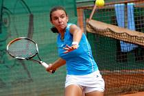 Francouzská tenistka Estelle Cascino v utkání Francie – Ukrajina.