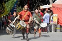 Středověký program si připravili pořadatelé pro návštěvníky slavností v Prostějově. Dostavil se i samotný otec vlasti.