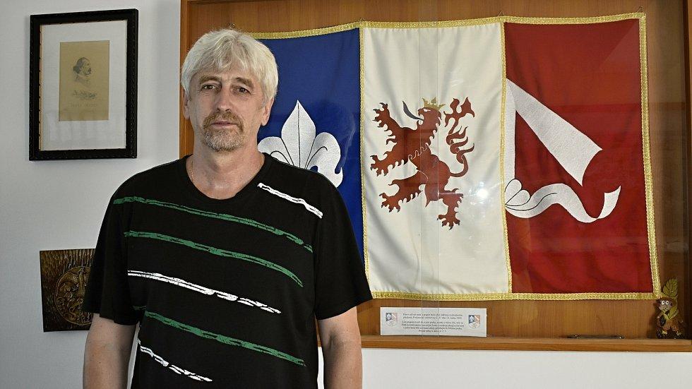 Starostou Čech pod Kosířem je od roku 2010 Milan Kiebel.