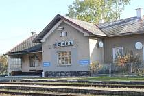 Obnovené vlakové spojení Dzbelským ušetří čas i peníze.