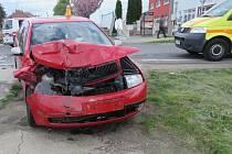 V Držovicích se srazila dvě auta. Výsledkem jsou tři zranění
