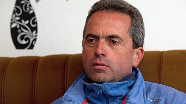 Trenér vítěze Velké pardubické 2015 Stanislav Popelka