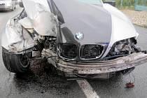 Havárie BMW v Boskovické ulici v Plumlově
