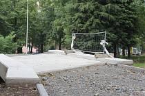 Stavba cyklostezky v Kolářových sadech v Prostějově