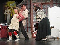 Sezonu v prostějovském divadle zahájila v úterý 16. září komedie s názvem Vražda sexem Divadla.