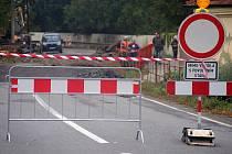 Oprava mostu v Mostkovicích na hlavním tahu z Prostějova na Blansko. Řidiči musí objížďkou