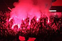 Divoké derby v únoru 2016: prostějovští Jestřábi proti přerovským Zubrům