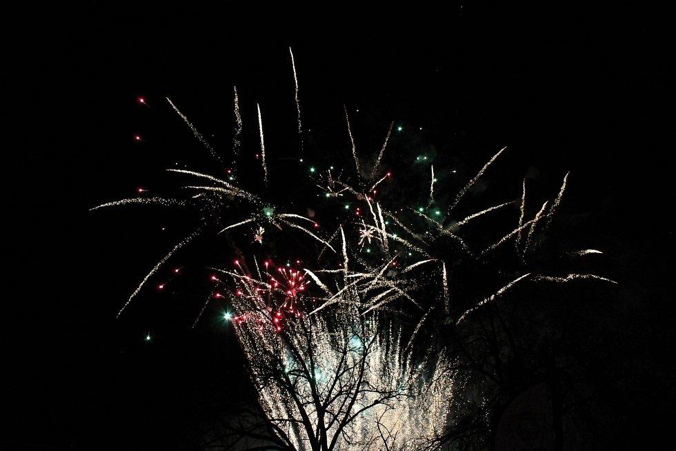 Ohňostroj na vánočních trzích v Konici. 14.12. 2019