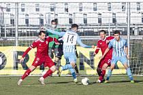 Jakub Kopřiva na míči v duelu s Vyšehradem