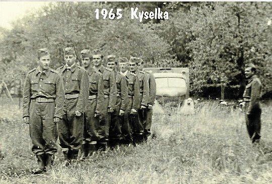 U KYSELKY v roce 1965. Hasiči se účastnili různých soutěží a cvičení. Častým místem, kde byly tyto akce pořádány, byla Kyselka. Ta je součástí Budětska. Nachází se zde léčivý pramen.