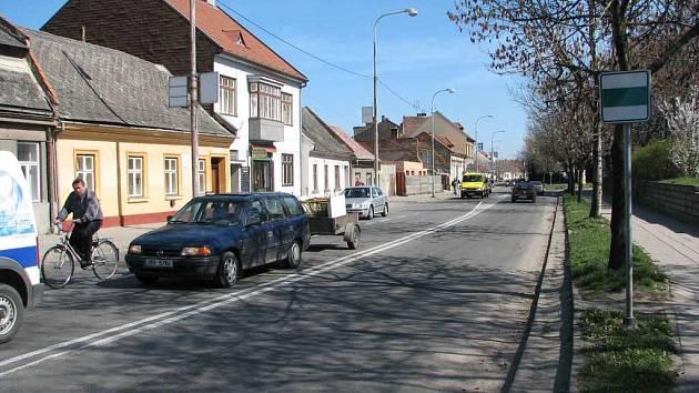 Řešení pro cyklisty. S výstavbou rondelu u Petrského náměstí by mohl vzniknout prostor pro cyklostezku.