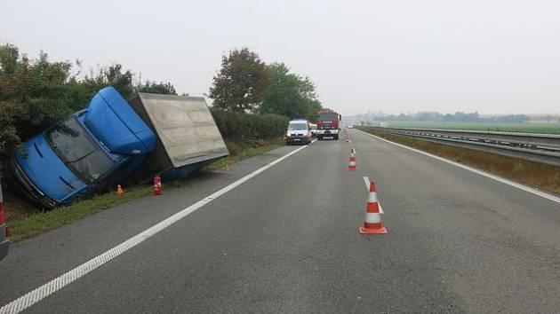 Havárie opilého řidiče na R46 u Prostějova