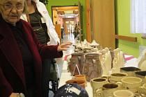 Prodejní výstava vánočních výrobků v prostějovském Centru sociálních služeb