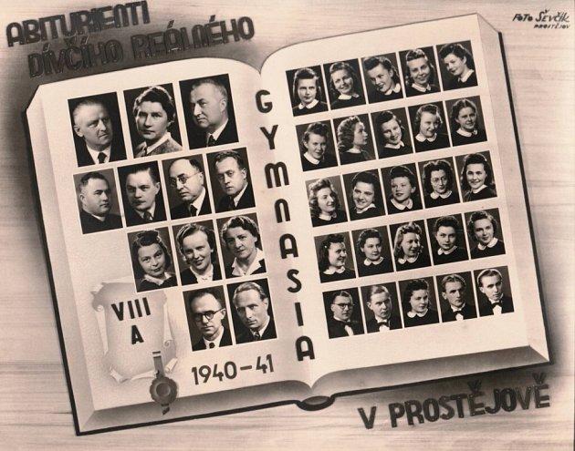 Abiturientky dívčího Realného gymnázia 1940-41.