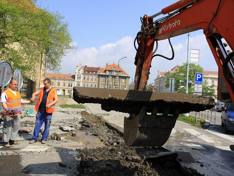 Stavba kanalizační přípojky k zámku