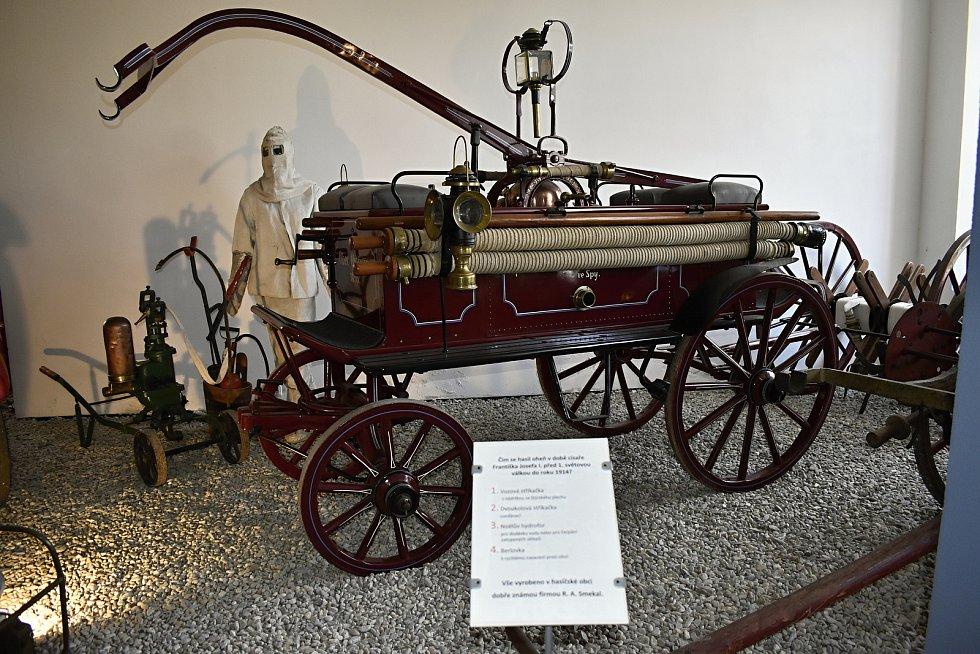 Duchovním otcem hasičského muzea R. A. Smekal, je současný místostarosta obce Jan Pospíšil.