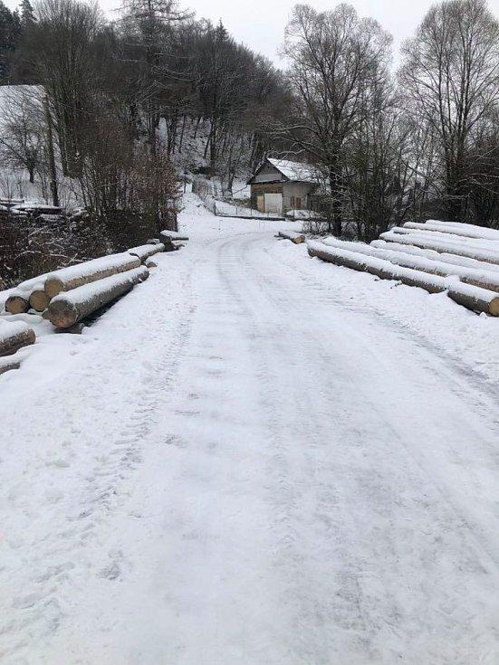 Sněhová nadílka zasypala i Vojtěchov na Konicku.