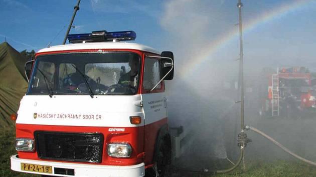 Plané poplachy jsou noční můrou hasičů.
