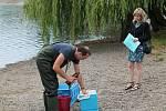 Hygienici měřili kvalitu vodu na plumlovské přehradě v pondělí 29.7. 2019