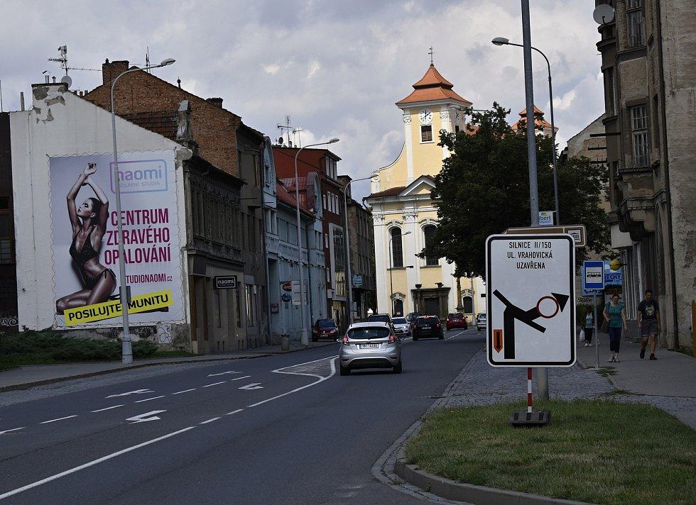 Hned několik uzavírek v centru Prostějova straší řidiče od začátku prázdnin a také s počátkem měsíce srpna.