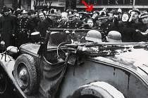 Okupaci v březnu 1939 zažil František Král z Prostějova jako šestnáctiletý student v Praze. Připomínkou tragické události je pro něj i fotografie v knize České dějiny Petra Čorneje, na které se poznal.