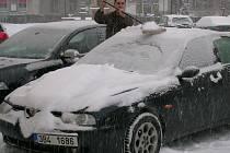 Sníh z úterka na středu zasypal i prostějovské ulice