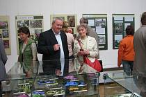 Botanickou zahradu in natura i na obrázcích představuje Regionální sdružení Iris v Muzeu Prostějovska.