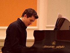 Prostějovský klavírista Daniel Jun