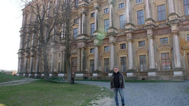 Plumlovský zámek v půlce dubna 2018  - kastelán plumlovského zámku Pavel Zástěra