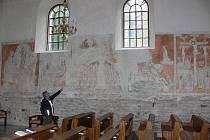 Unikátní fresky v mostkovickém kostele