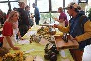 Parta nadšenců do čerstvosti a zároveň odpůrců obalů připravila akci plnou exotických chutí s nádechem Afriky.