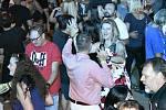 Tradiční hodová zábava v Čechovicích se skupinou Kontakt přilákala stovky lidí. 23.7. 2021
