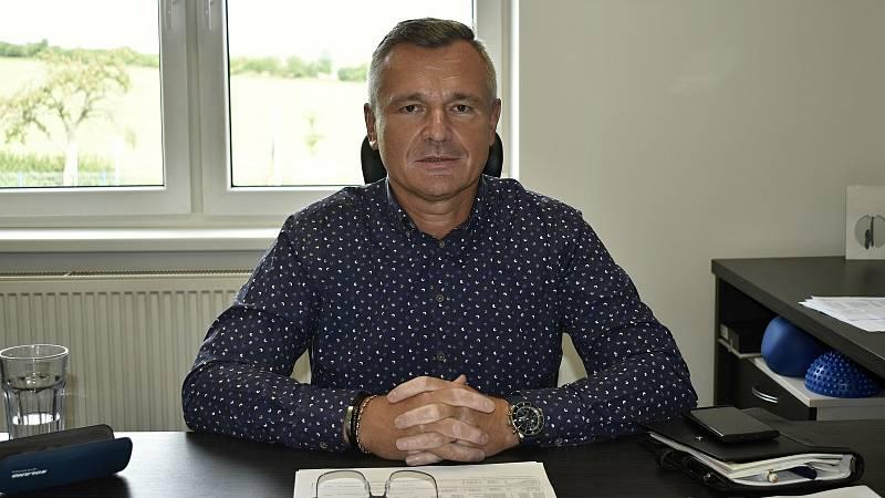 Ředitelem společnosti Futures, která vyrábí obytné kontejnery do celého světa je Milan Korčák.