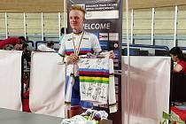 Prostějovští cyklisté sbírali úspěchy na mistrovství světa v Egyptě.  Radovan Štec s duhovým dresem pro mistra světa.