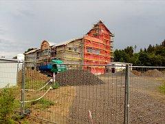 Práce na nové hasičské stanici v Konici jsou v plném proudu. Stihnou stavaři deadline na konci roku?