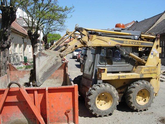 Během jednoho pracovníci JMP napravili škody napáchané před týdnem.
