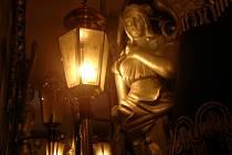 Od 11.-13. října budou v Muzeu kočárů v Čechách pod Kosířem hořet lampy na počest mistra Karla Gotta.
