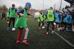 Mladí talentovaní fotbalisté ze střední Moravy se sjeli do Prostějova na ukázkový trénink fotbalové akademie.