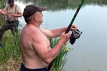 Rybářské závody na čehovickém rybníku
