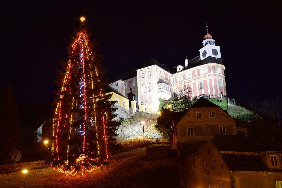 Vánoční strom v Javorníku.