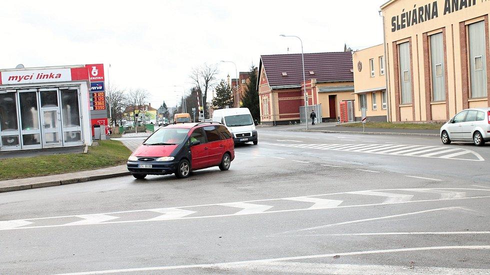 Ošemetná křižovatka Průmyslové s Vrahovickou v Prostějově