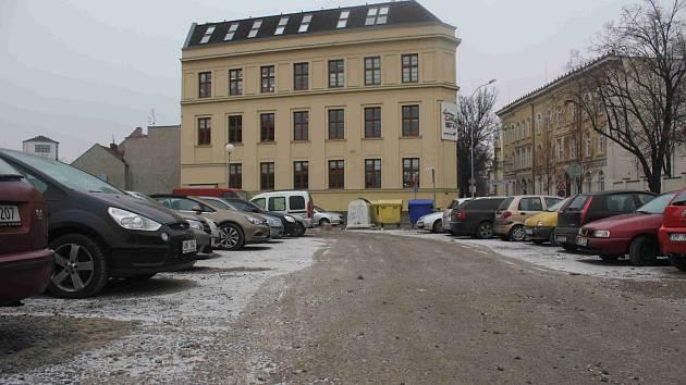 Parkoviště v centru Prostějova - Komenského ulice