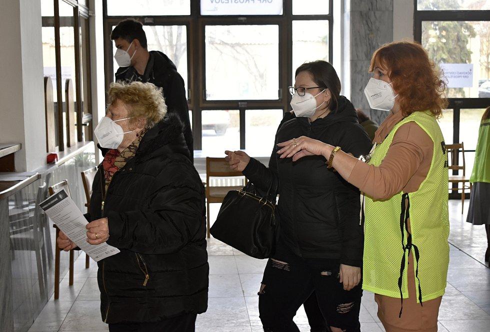 V prostějovském KaSku bylo otevřeno očkovací centrum pro veřejnost. 17.3. 2021
