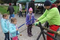 Lidé z prostějovského ekocentra Iris uspořádali pro děti i dospělé řadu aktivit. Oslavili tak mezinárodní Den stromů.